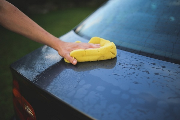 Low Cost Tip for Cleaning and Waxing a Car
